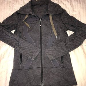 Lululemon zip up jacket grey 6